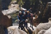Canyon Artigue Ariège groupe sur les blocs